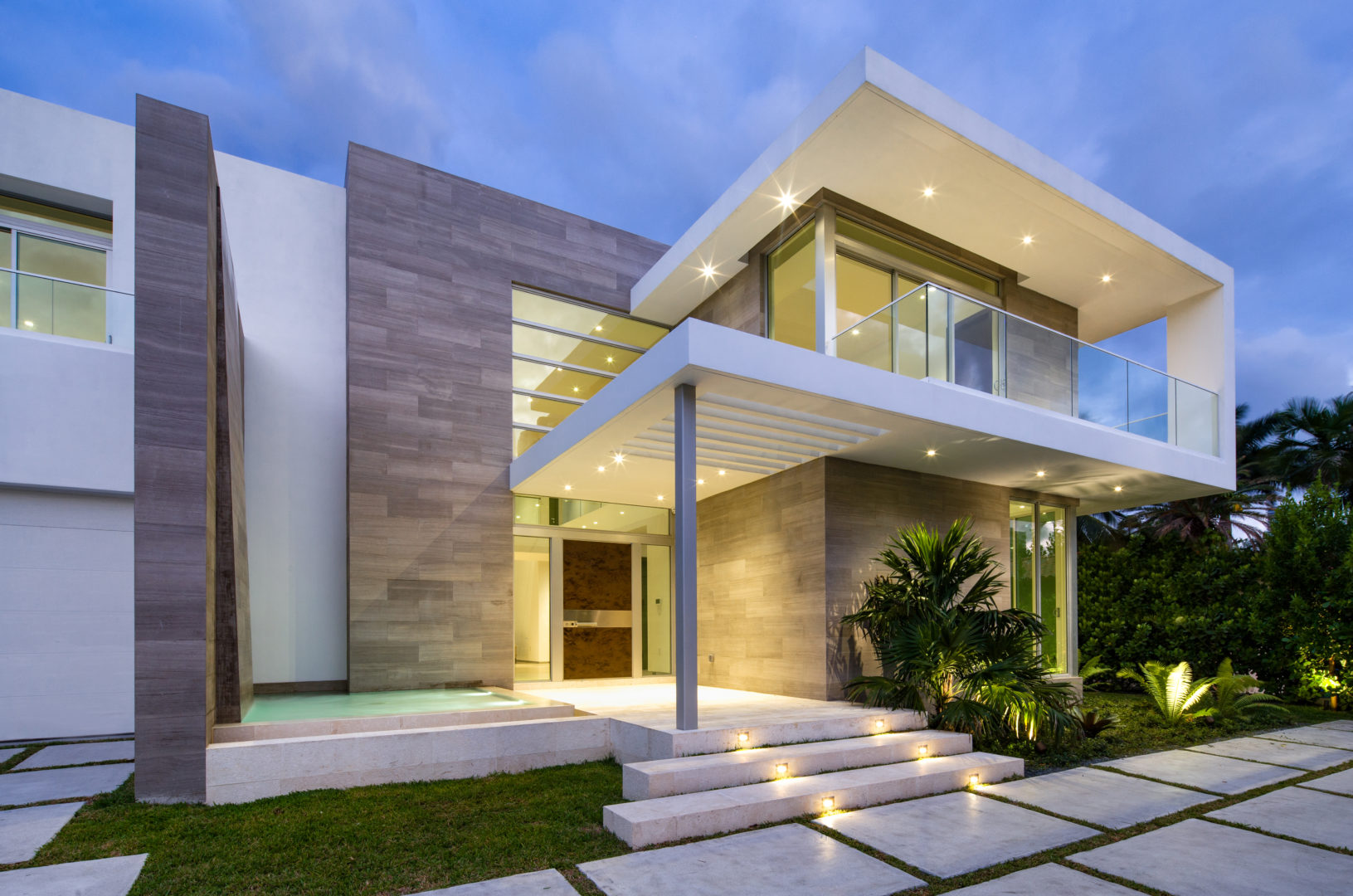 Golden Beach House High-end builder contractor construction miami waterfront pool