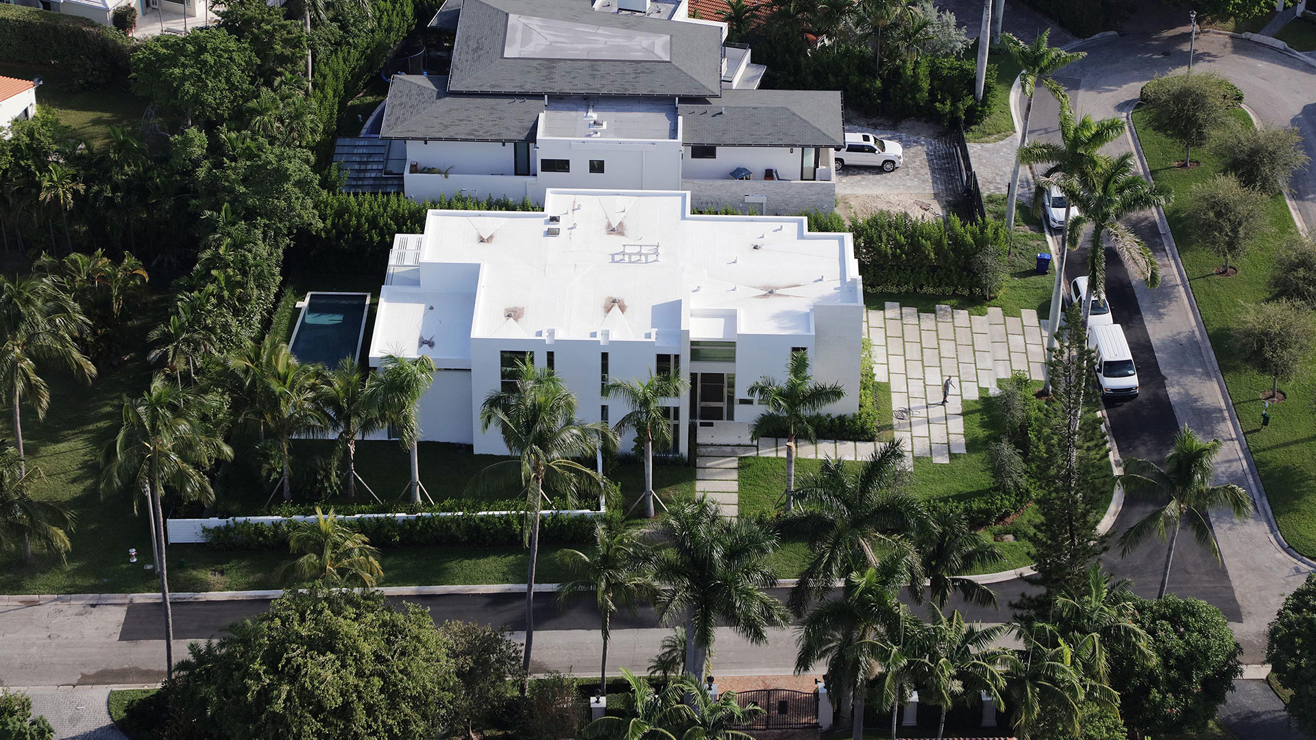 Bal-Harbour-Tropical-Residence-High-end-Builder-Contractor-Miami-23