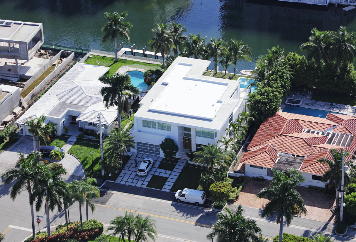 house waterfront miami florida construction modern luxury driveway pool